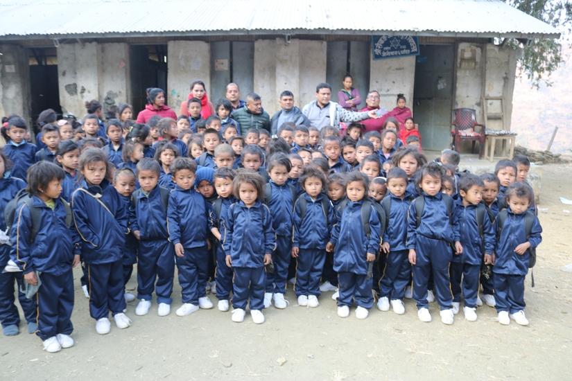 रमाउँदै चेपाङ विद्यार्थी